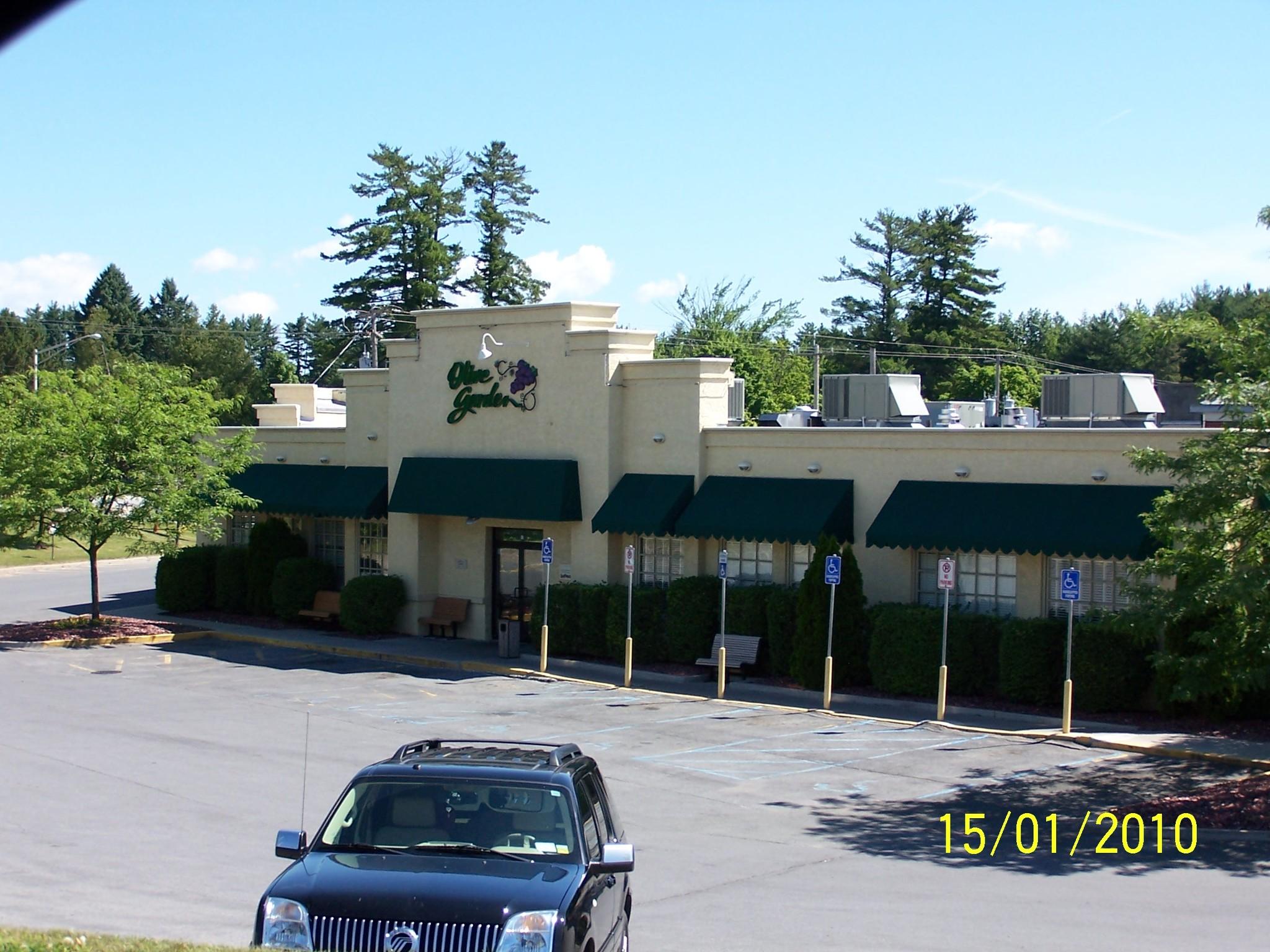 711-756 Upper Glen St - Queensbury Plaza