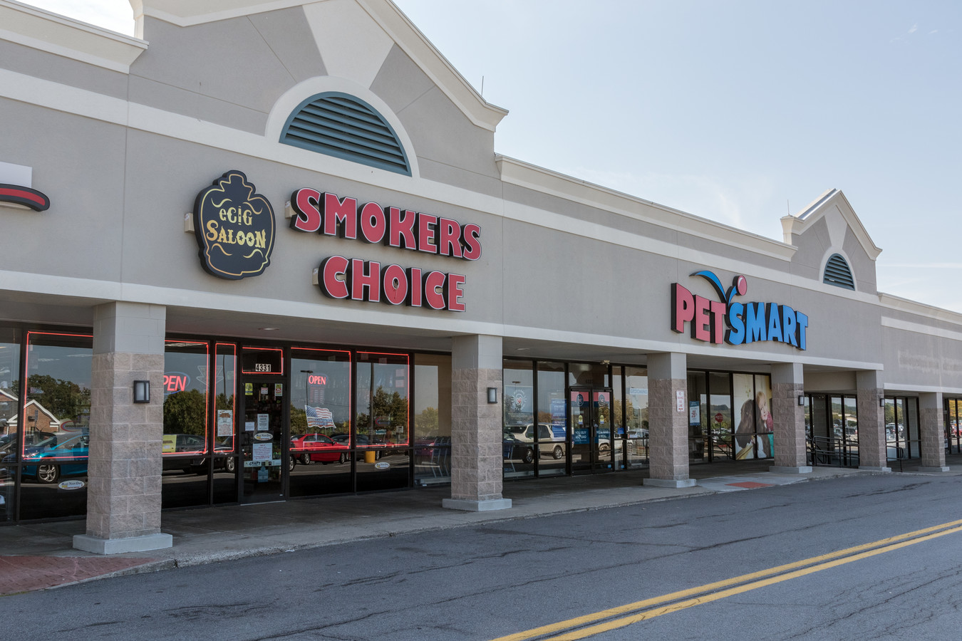 4276 Lakeville Rd - Genesee Valley Shopping Center