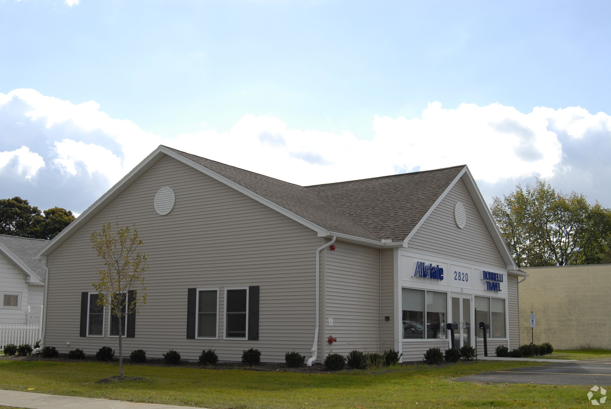 2,000 SF Office Building Offered at $199,000 at a 5.98% Cap Rate in Rochester, NY
