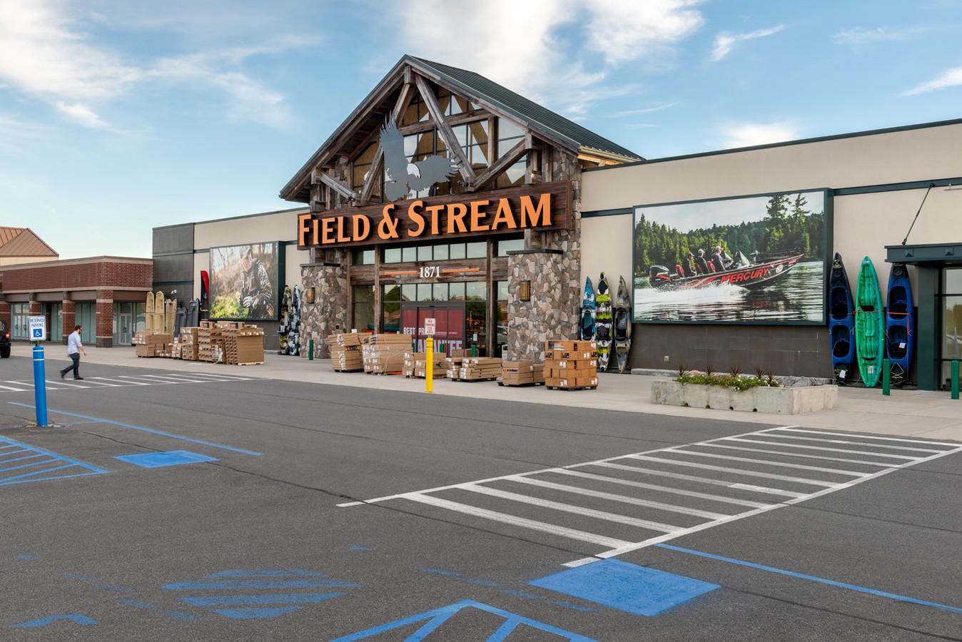 Latham Farms Retail Plaza