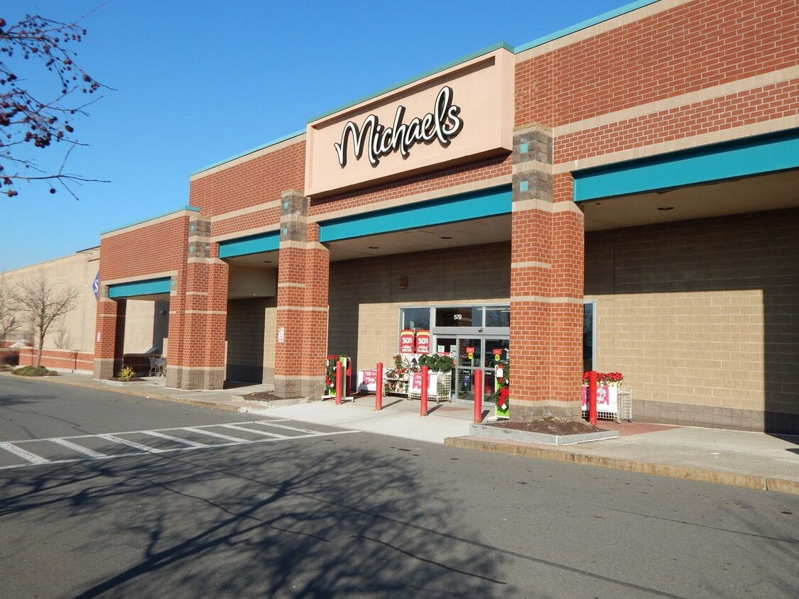 Retail Space for Lease Latham NY